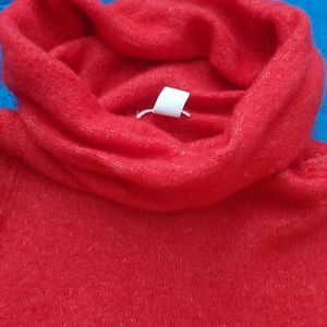 3/$35 H&M Gorgeous Red Wool Sweater Small